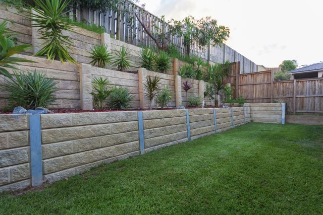 Top 15 Choices for Stunning Retaining Wall Ideas - Pictures and Advice