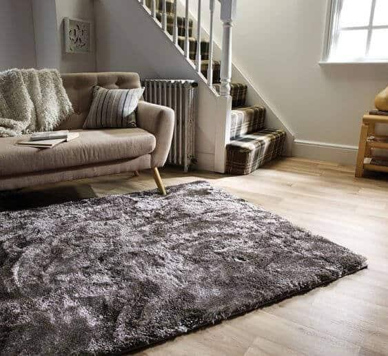 Plain rug for bedroom