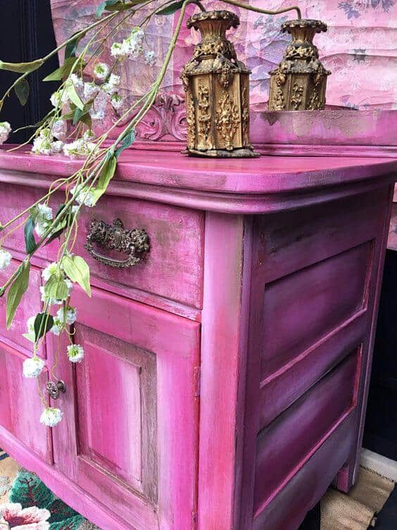 pink chalk bedroom for girls