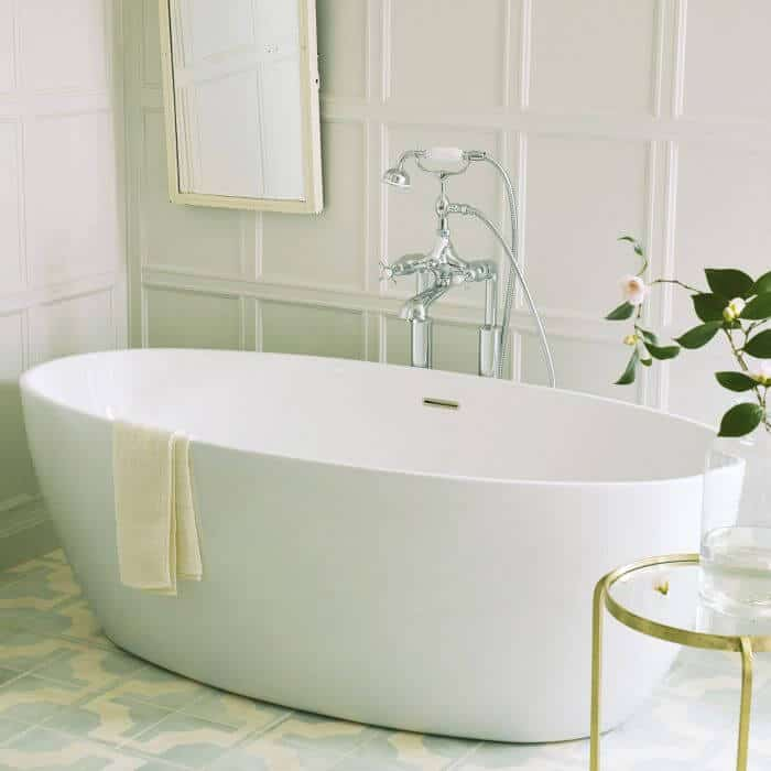 freestanding bath curved
