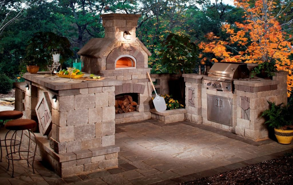 Natural Stone Outdoor Kitchen Design